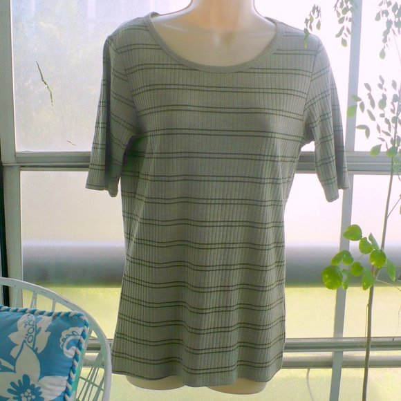 LuLaRoe Tops - ❤️LuLaRoe Top Classic T-Shirt Medium Taupe Stripe